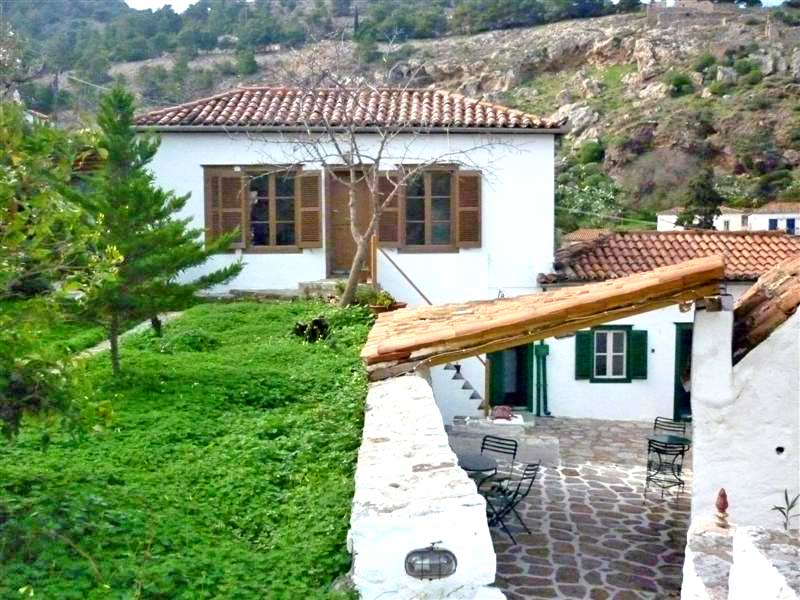 Giorgios house is a remarkable property, above Hydra town near Kala Pigadia.