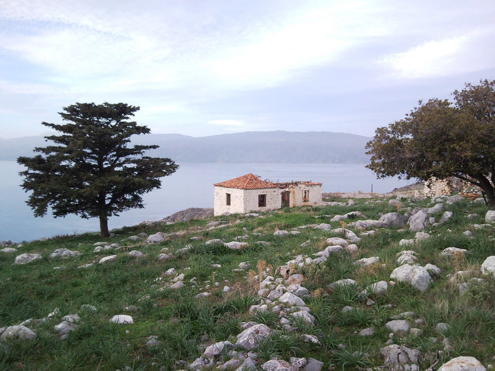 A huge piece of land to the East of Hydra town, with scope for development