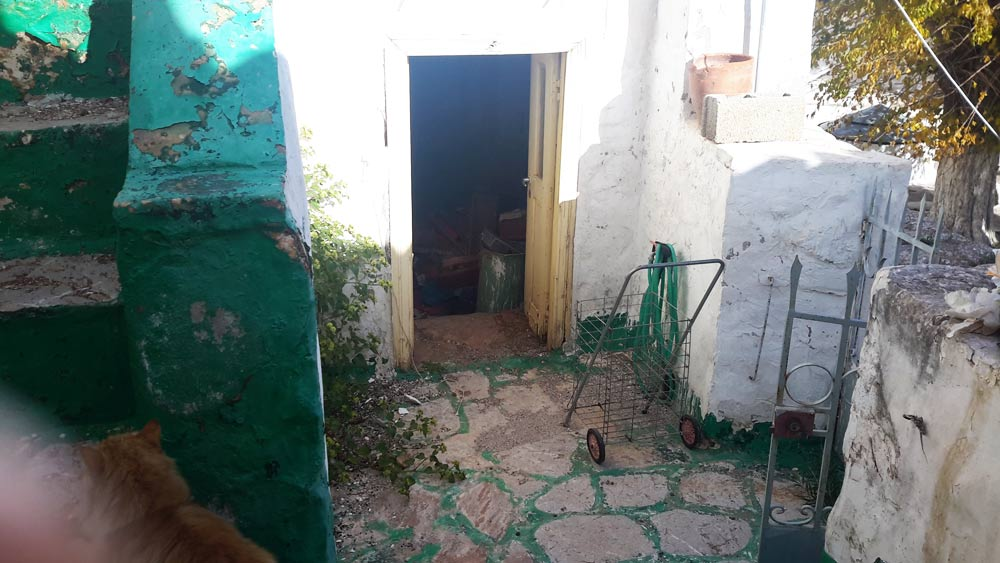 A traditional Hydriot house in Kala Pigadia, just a few metres from the wells that are a well known landmark, and one of the few sources of water on Hydra.